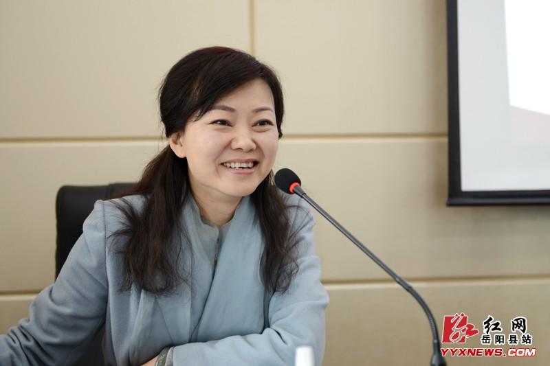 岳阳县开展学雷锋志愿服务v高中高中课本书店图片