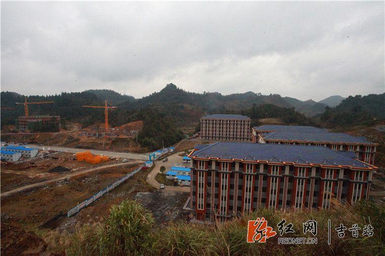 吉首半期经济工作托起:州委兴市推进湘西大高中英语三个反思图片