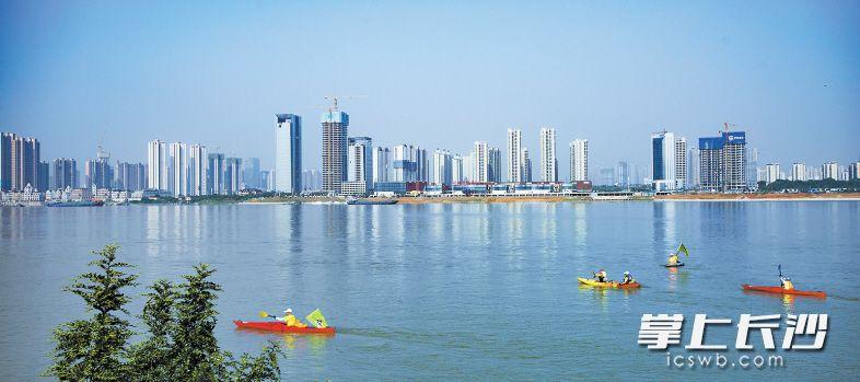 """湖南湘江新区是中部首个国家级新区,是推动长沙在更高起点上融入""""一带一路""""和长江经济带等国家战略的重要平台。 长沙晚报记者 李锋 摄"""