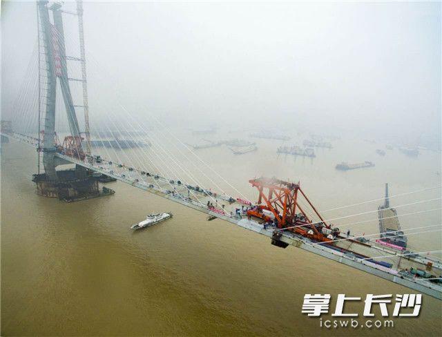 该大桥在国内外同类桥梁中具有四项第一