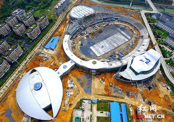 湘西州60周年庆典主会场在湘西职院加紧建设