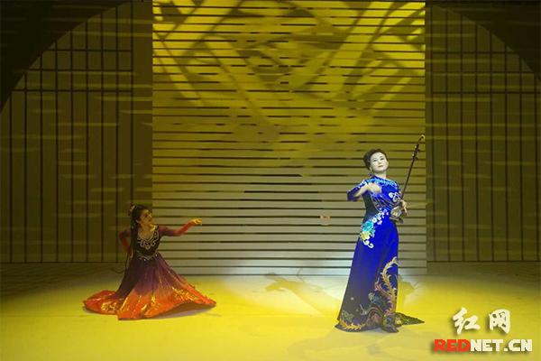 雷琴独奏《京剧苏三起解》,京胡与高胡《梨花颂·蝶恋》,蔡霞的表演