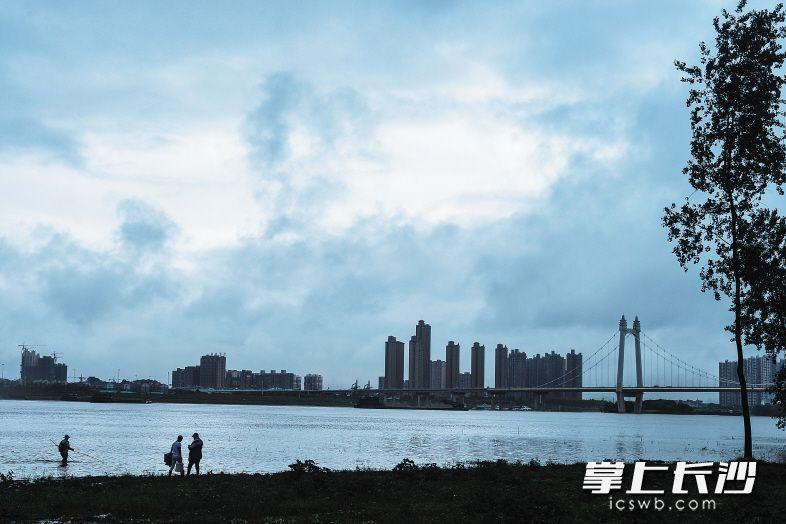 强降水造成湖南115.2万人受灾 长沙城区未现大