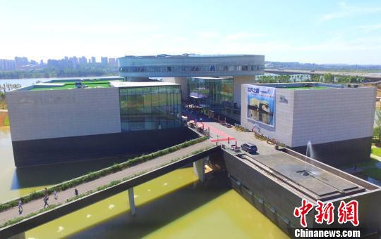 """李自健美术馆认证为""""全球最大的艺术家个人美术馆"""""""