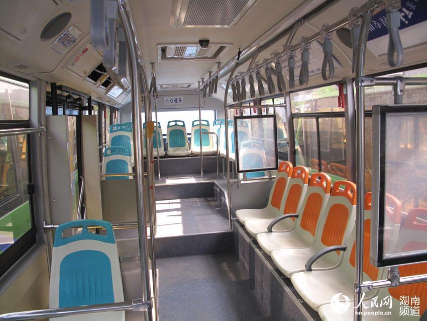 郴城环保舒适的新能源公交车