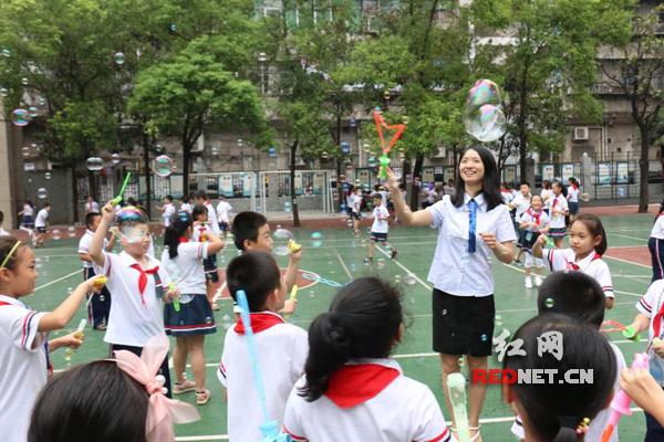 水南:小学街师生都司共同游戏欢庆教师节松阳县2018衡阳小学图片