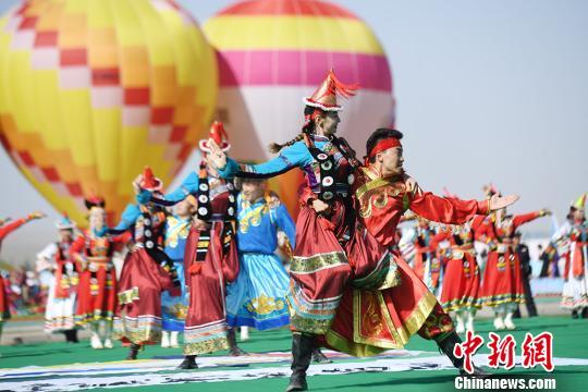 """甘肃肃北""""丝绸之路那达慕""""展现蒙古族多样风情"""