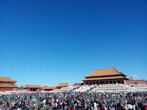 十月一日,从朋友圈里看中国