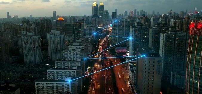 中国首部科幻游戏电影《天穹之幻境重生》定档11月1日