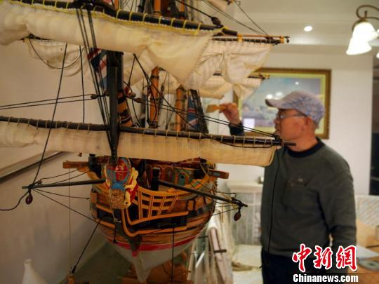 吉林大爷手工自制世界知名古战船最大一艘长1.5米
