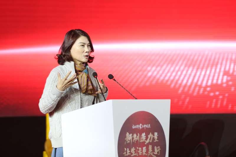 董明珠谈中国企业发展路径力挺制造业 称格力五年纳税超800亿