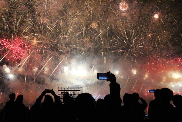 Fireworks makers adopt new technology to protect workers