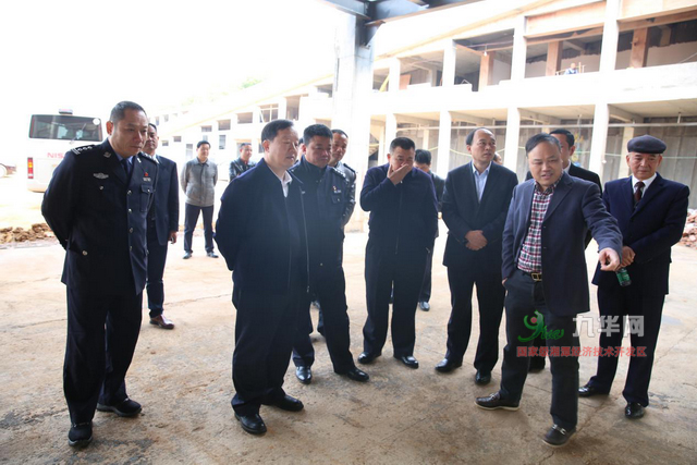 驾考--罗伟来湘潭经开区现场办公 助力打造千亿汽车产业集群