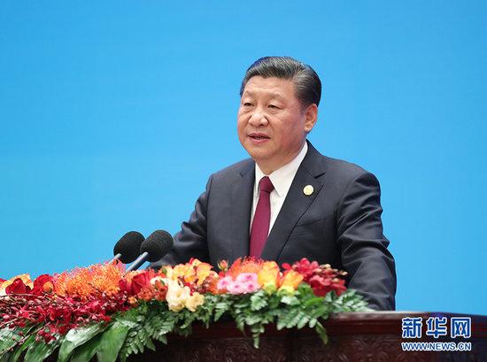 12月1日,中共中央总书记、国家主席习近平在北京人民大会堂出席中国共产党与世界政党高层对话会开幕式,并发表题为《携手建设更加美好的世界》的主旨讲话。新华社记者 刘卫兵 摄