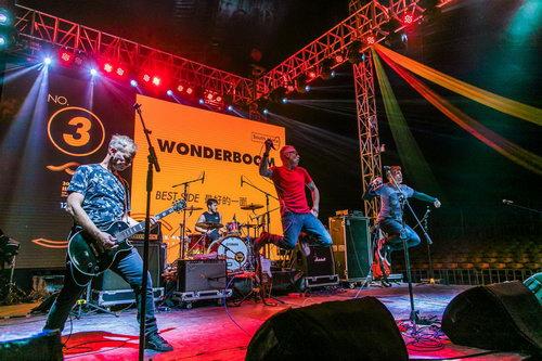 成都丝绸之路独立音乐展演现场—来自南非的摇滚乐队Wonderboom