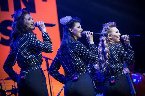 来波兰复古乐队Singin'Birds 获得最佳舞台表现奖