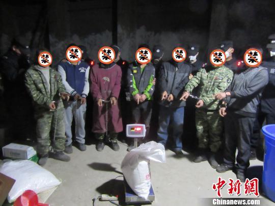 """成都警方破获""""张哥""""制造毒品案抓获嫌犯22人"""