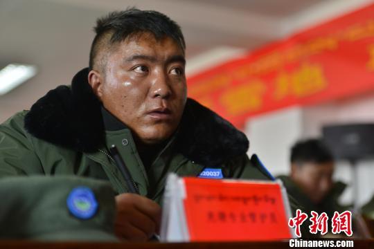 西藏那曲390余农牧民变身藏羚羊、雪豹守护者