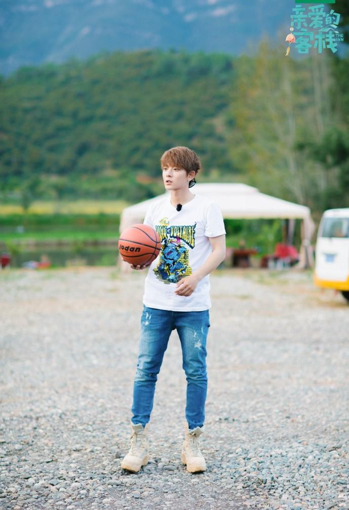 陈翔打篮球