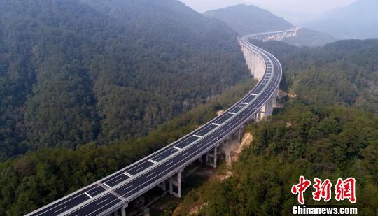 炎汝高速全线通车湘粤间再添高速通道