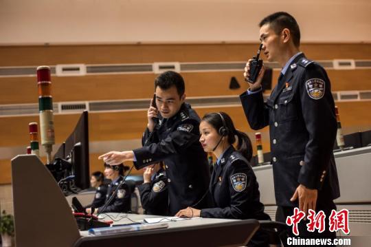 重庆警方推出110APP民众可通过手机可视化报警