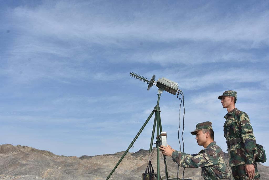 通信保障,干扰利器(王杰摄)