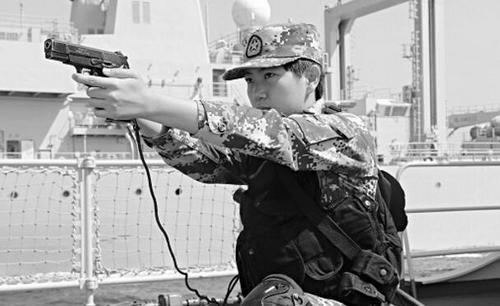 """北大学子成""""霸王花""""以训练全优成绩进海军陆战队"""