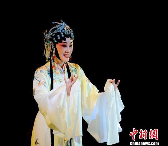乡音版《牡丹亭》首次晋京演出再现400年前汤翁原味
