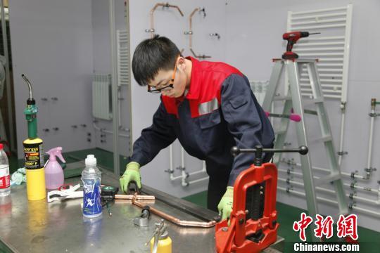 重庆将举行35个职业技能大赛选拔千余名高技能人才