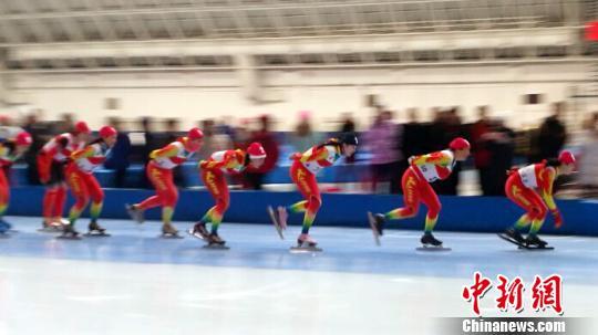 2017/2018年度全国大众速度滑冰马拉松赛在哈尔滨开赛