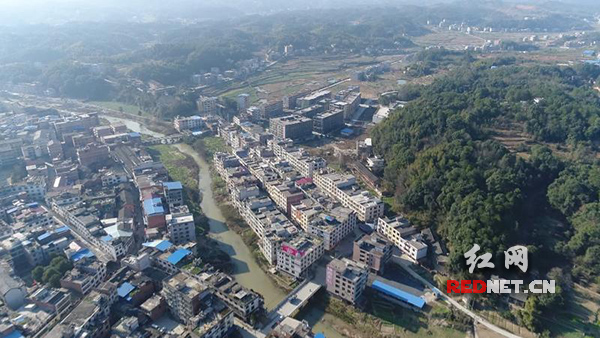 """衡阳县:投入2000多万 让昔日""""牛奶河""""变""""生态河"""""""