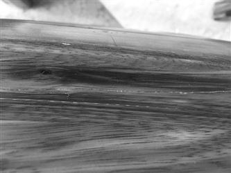 买实木家具到家开裂 商场协调商家退货