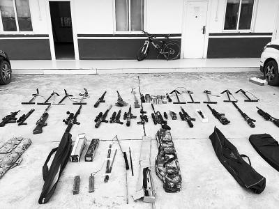 快递引出网络贩枪大案周口警方抓获34名涉枪嫌疑人