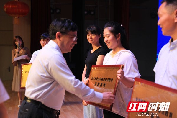 百名萌娃趣味运动会大PK 税收普法嗨翻天