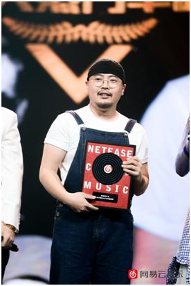 《跨界歌王》和QQ音乐侵权《儿时》上热搜 网友呼吁尊重原创音乐人