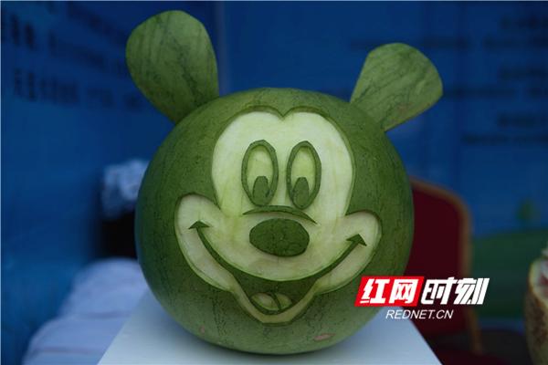 蓝山泉塘瓜王诞生 28.5斤拍出1100元