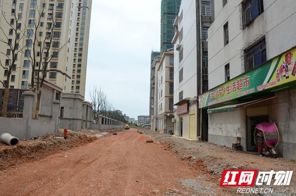 常德:网友投诉小区施工致房屋裂缝 开发商回复之后无动静