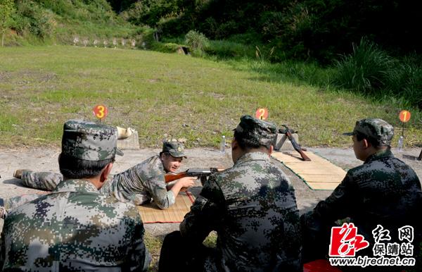 保靖县党政军领导参加庆八一军事日活动