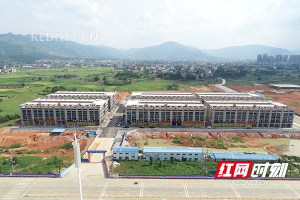 建设中的湘江源皮具产业城标准厂房。.jpg