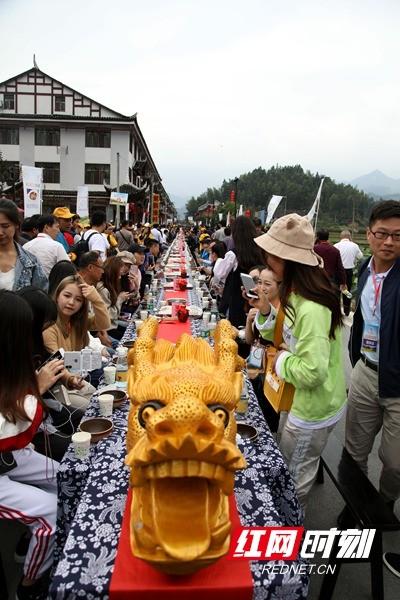 2018年湖南秋季乡村旅游节开幕 大型交响乐奏响梯田之
