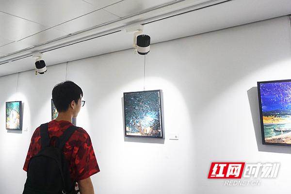 青年油画家吴愈彪学画十年首开个展