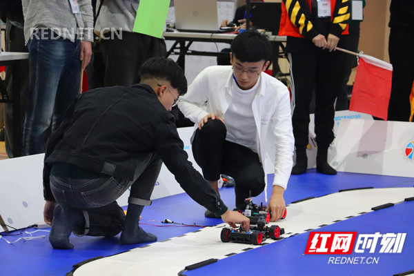 ARL大学智能车比赛2_副本.jpg