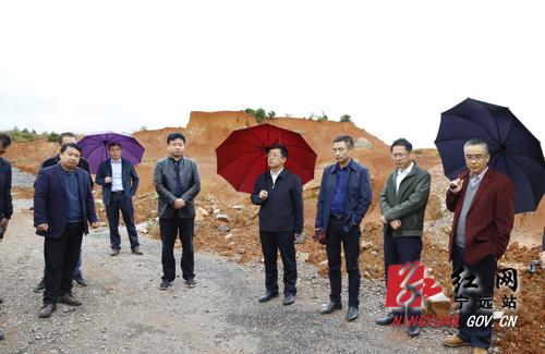 刘卫华就学位建设现场办公:迅速落实全市学位建设和消除大班额工作会议精神
