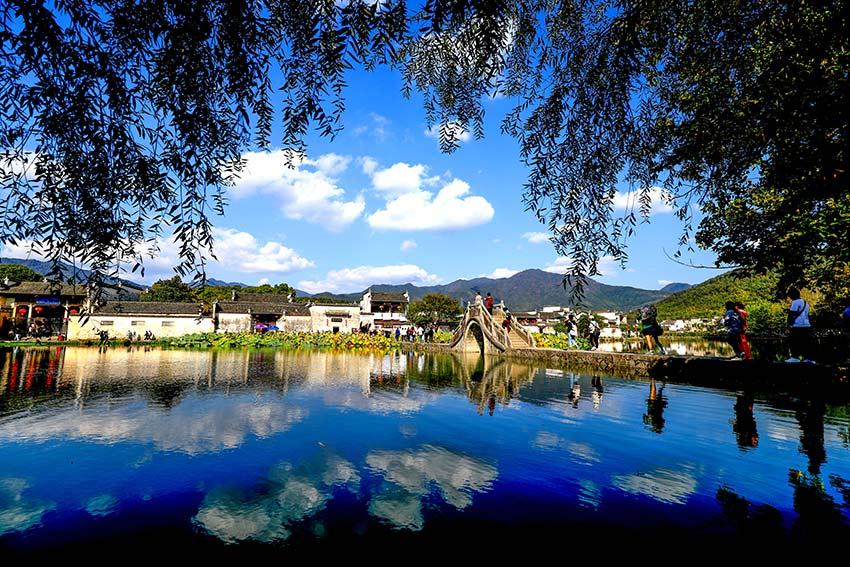 美丽乡村·安徽宏村:不管你在哪座城市,这个小村必定是你的旅游目的地之一!