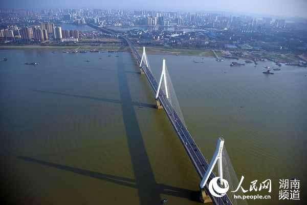 【央媒看湖南】湖南:一湖四水向东流 绿色发展唱新歌