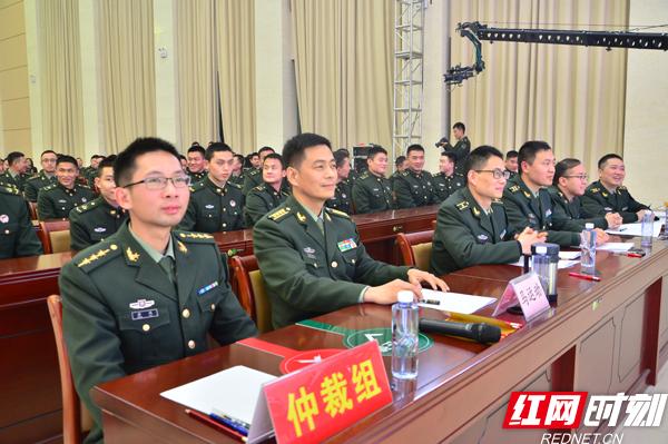 bob娱乐:湖南省军区新条令知识竞赛决赛在长举行
