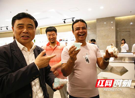 郴州建成一站式选购世界矿物宝石的国际化街区